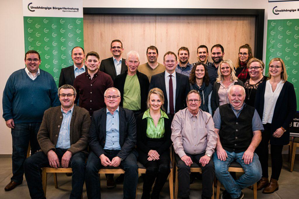 Unsere Kandidatinnen und Kandidaten für die Kommunalwahl in Speichersdorf am 15.3.2020.  Bild: Mark Heuss
